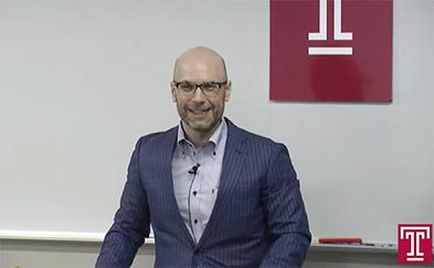 Image of Professor Christopher Simons