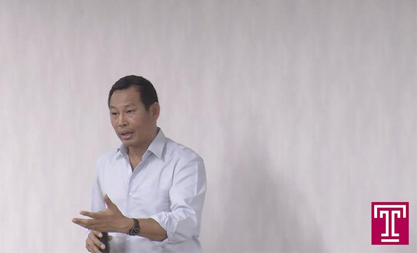 Photo: Maung Zarni speaking